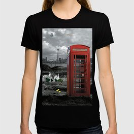 London Calling with Classic British Fonebooth - BW & Colour T-shirt