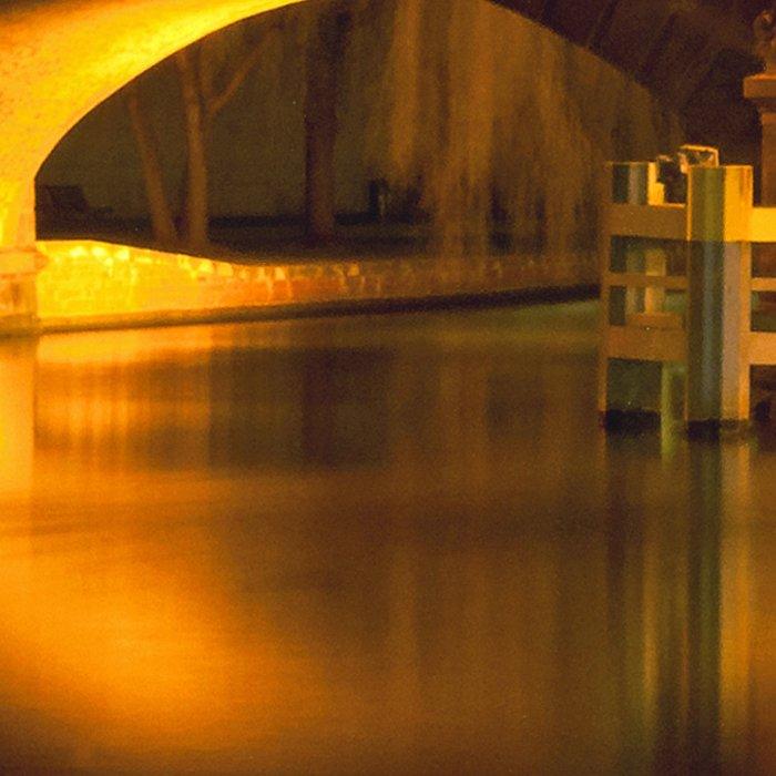 Moltke-Bridge at the river Spree in Berlin Leggings