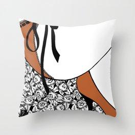 La femme n.19 Throw Pillow