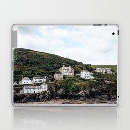 Port Isaac harbour Laptop & iPad Skin
