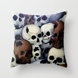 In Trümmern/In Ruins Throw Pillow