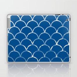 Textured large scallop pattern in snorkel blue Laptop & iPad Skin