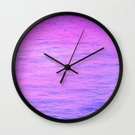 NEON PINK AND PURPLE GRADIENT OCEAN PATTEN Wall Clock