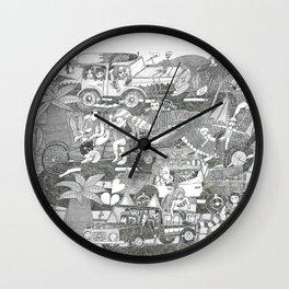 Païsatge amb personatges, bicicleta, cotxos, monstre, cap i palmeres Wall Clock