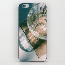 Daydream V iPhone Skin