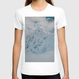 White peak - Landscape and Nature Photography T-shirt