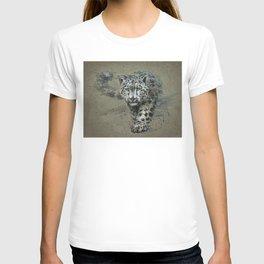 Snow leopard background T-shirt