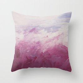 Champs de roses Throw Pillow