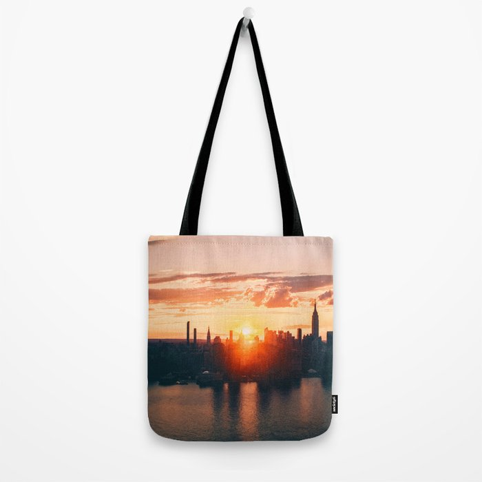 Sunrise in New York City (Color) Tote Bag