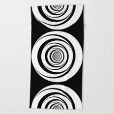 Black White Circles Optical Illusion Beach Towel