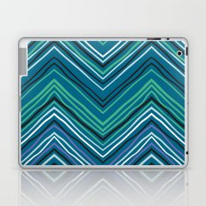 Chevron pattern with thin zigzag lines Laptop & iPad Skin