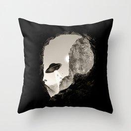Alien´s Head Throw Pillow
