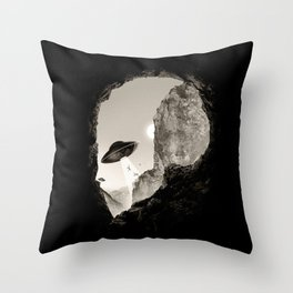 Alien´s Head Throw Pillow