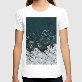 sea lofoten islands archipelago norway T-shirt
