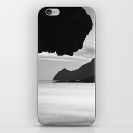Half Moon Beach. Vela Tower Cliff. Bw iPhone Skin