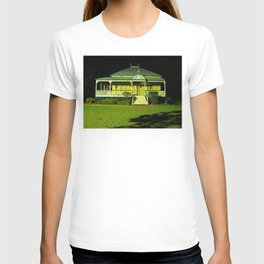 Wynnum Shire Clerk's Cottage T-shirt