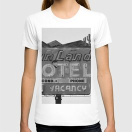 Vintage Neon Sign In Tucson - Sun Land Motel T-shirt