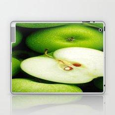 greeeeen apple Laptop & iPad Skin