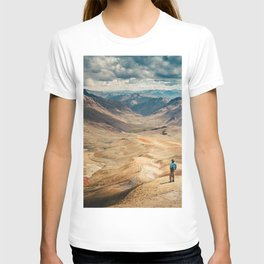 Man front of the mountain T-shirt
