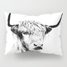 Wall Tapestry  portrait of a highland cow Pillow Sham
