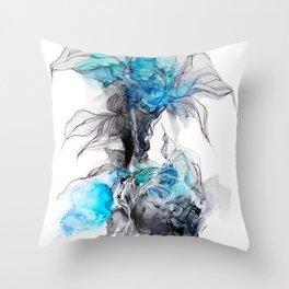 nature inachevee Throw Pillow
