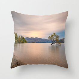 WANAKA TREE SUNSET NEW ZEALAND Throw Pillow