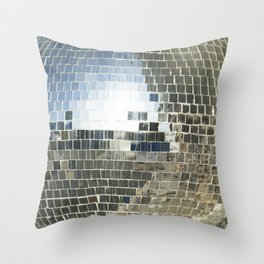 Mirrors discoball Throw Pillow