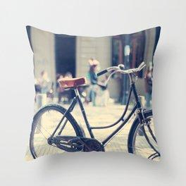 Retiro Bike Throw Pillow