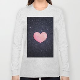 Pink heart on shiny black Long Sleeve T-shirt