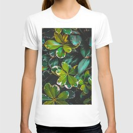 green leaves plant texture background T-shirt
