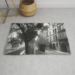 Paris - Quai d'Anjou, 6h du matin lost generation street scene 1920's black and white photography  Rug
