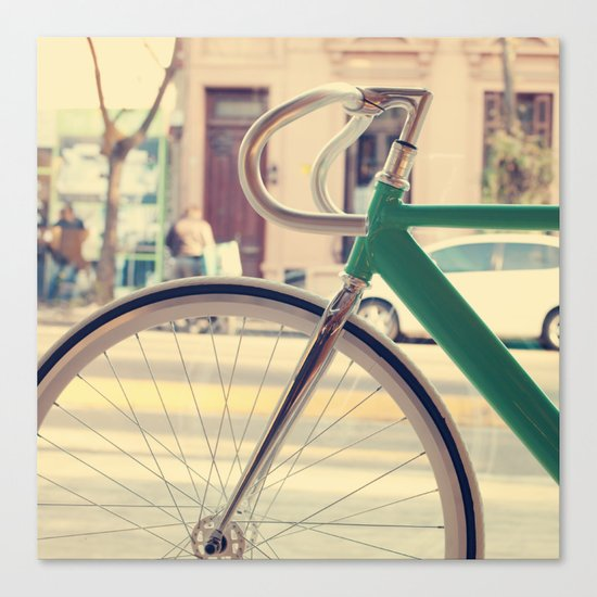 Geen Mint Bicycle in the City (Retro - Vintage Photography) Canvas Print