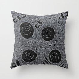 KUNGKA KAANKA (WOMAN/RAVEN) Throw Pillow
