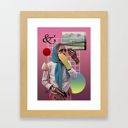 Discreción Framed Art Print