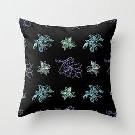 Quercus (black, green) Throw Pillow