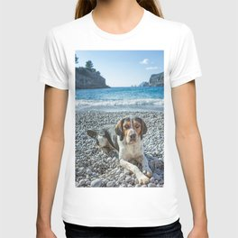 dog on the beach T-shirt