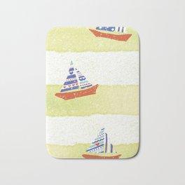 Tres navíos en el mar! Bath Mat