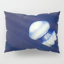 Jellyfish in a deep blue sea water Pillow Sham