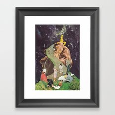 the secret (putos no castelo) Framed Art Print