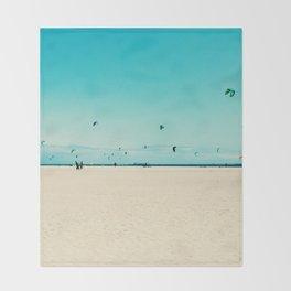 KITE SURFING Throw Blanket