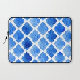 Quatrefoil pattern in shades of blue Laptop Sleeve