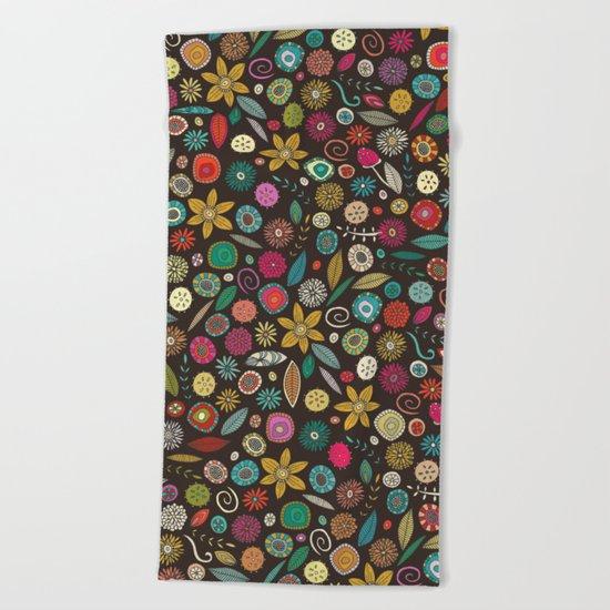 daffodil pop Beach Towel