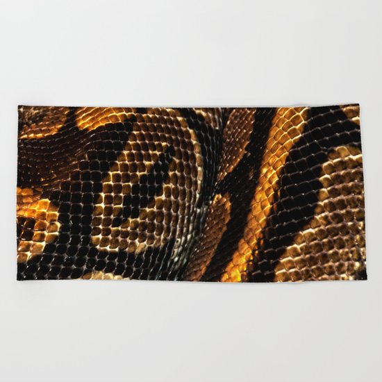 SNAKING Beach Towel