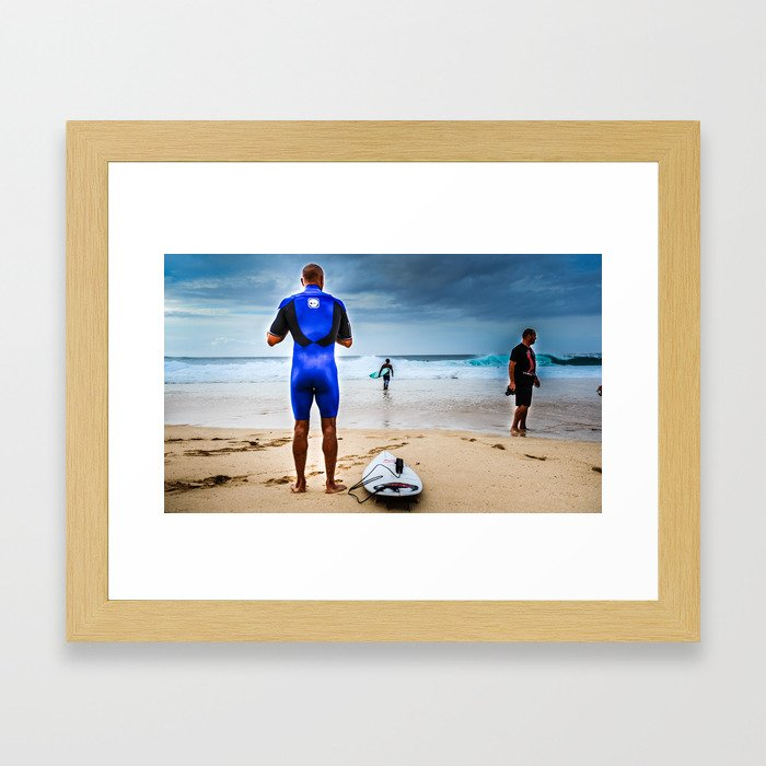 Kelly Slater about to go surf Pipeline, Hawaii.  Framed Art Print