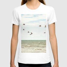 BIRDS - OCEAN - WAVES - SEA - PHOTOGRAPHY T-shirt
