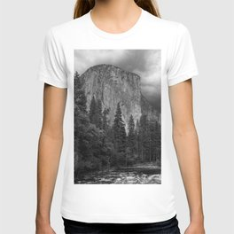 Yosemite National Park, El Capitan, Black and White Photography, Outdoors, Landscape, National Parks T-shirt