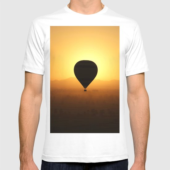 Balloon Over Valley of the Kings T-shirt