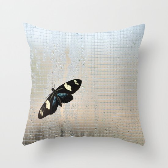 Let me out of here Throw Pillow