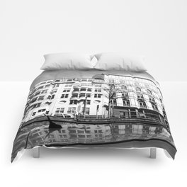 Urban meets classic Comforters