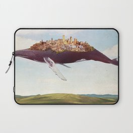 Dreams of moving on Laptop Sleeve